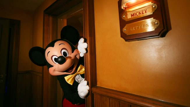 Magician Mickey Mouse Disneyland Paris Attractions
