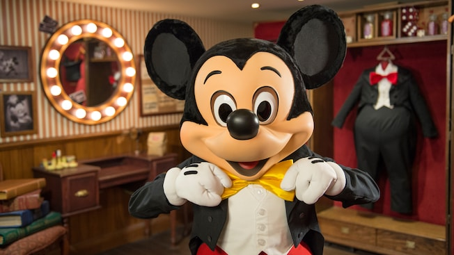 Magician mickey mouse disneyland paris attractions m4hsunfo
