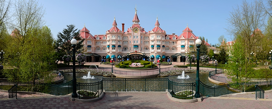 Disneyland Paris Hotel Pictures